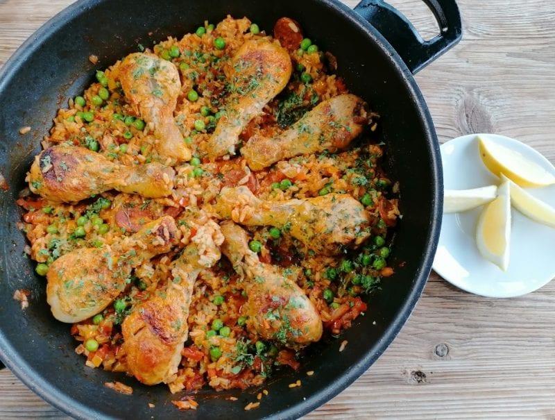 Paella Mit Chorizo Und Hähnchenschenkel1
