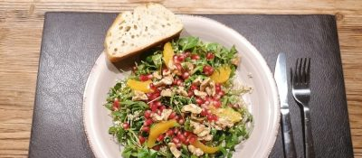 Quinoa Salat Mit Walnüssen Und Granatapfel